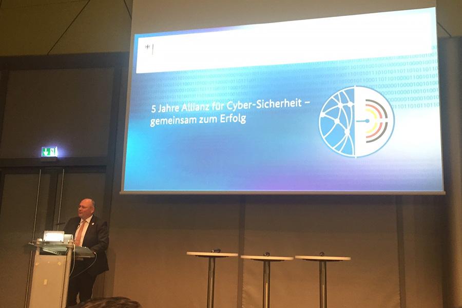 Arne Schönbohms blickt zurück auf die fünfjährige Erfolgsgeschichte der Allianz für Cyber-Sicherheit